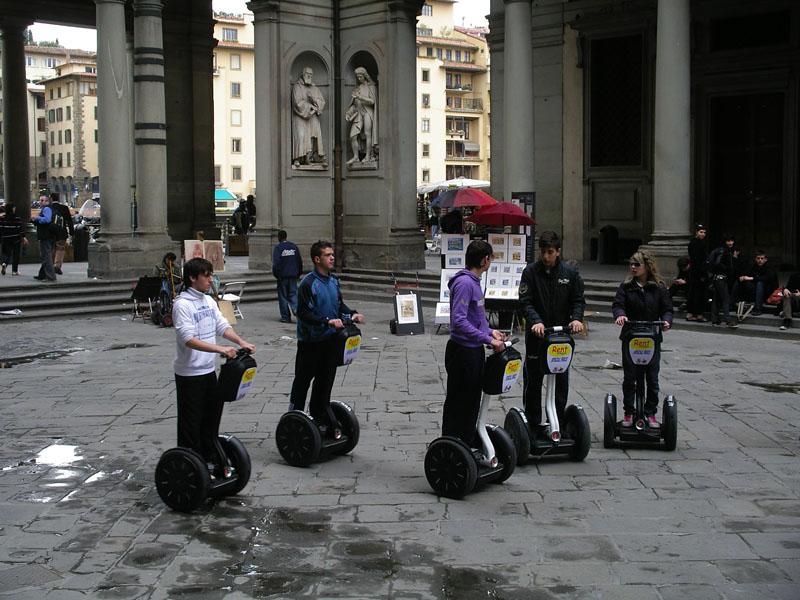 Segway Drivers in Galleria degli Uffizi