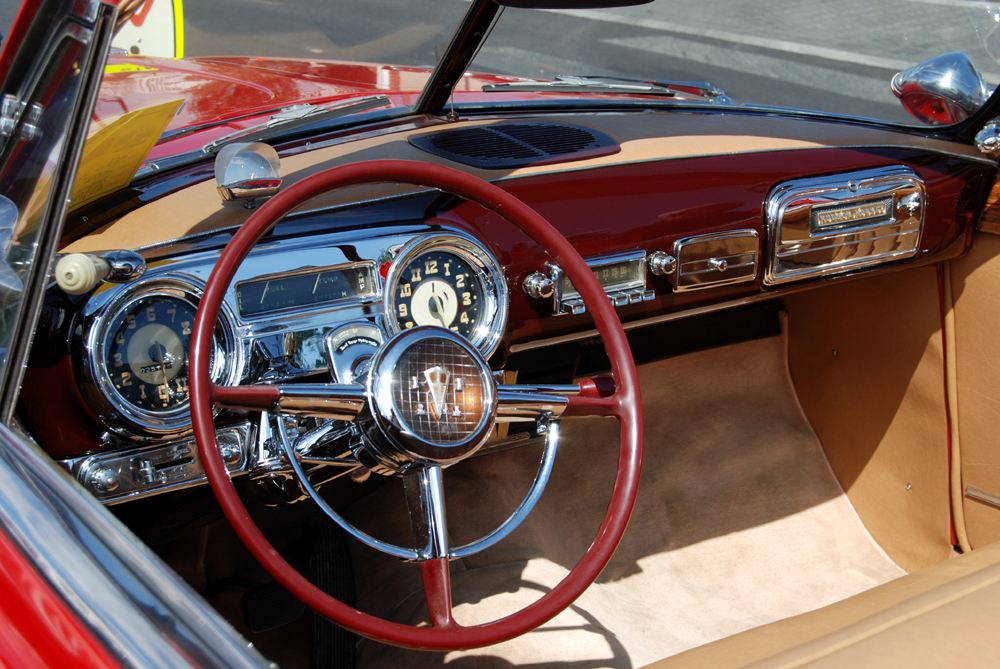 Interior picture, Hudson Hornet inside,dashboard,  interior in leather, classic car design